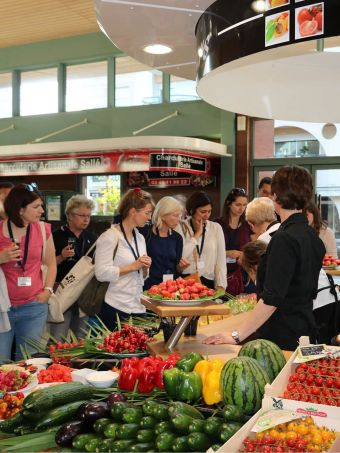 Your welcome party under the market hall of La Baule!